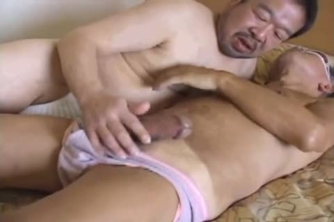 asian old stud Has his thick cock sucked By nasty daddy Bear
