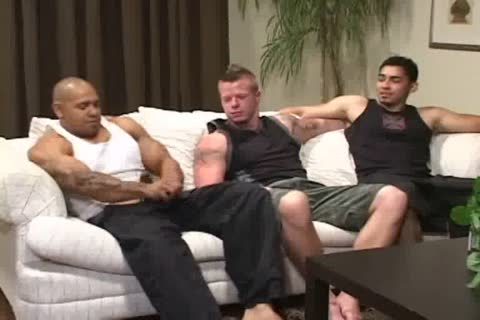 Muscle 3some