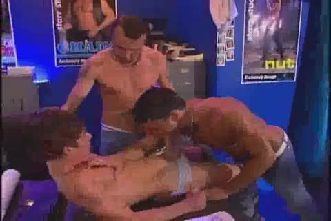 Chad Hunt Vs Roman Heart Vs Brent Corrigan/Fox Rider