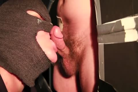 19-yr-old str8 guy love juices 2x At Gloryhole