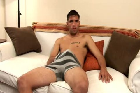 Brown Hunk Masturbates On howdys daybed