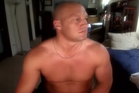 Bald Muscle dude wanking And delicious cum sdelicious