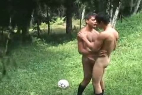Futbol 3 - Scene 4 - Tthis guy French Connection