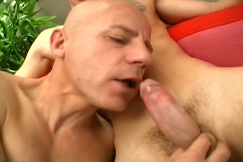Two Younger guys have a enjoyment This DILF's ass!