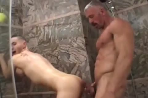 Muscled dad bonks girl boy