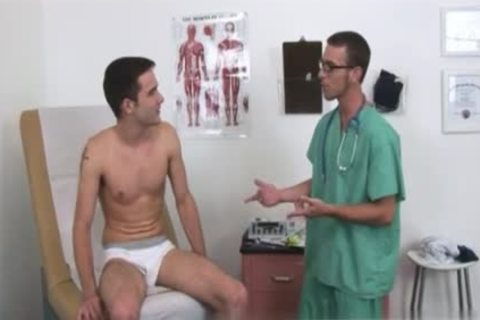 Doctor accidentally Sucked His cock During An Exam