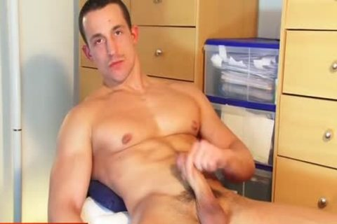 Full video: A admirable blameless str8 lad Serviced His gigantic weenie By A lad!