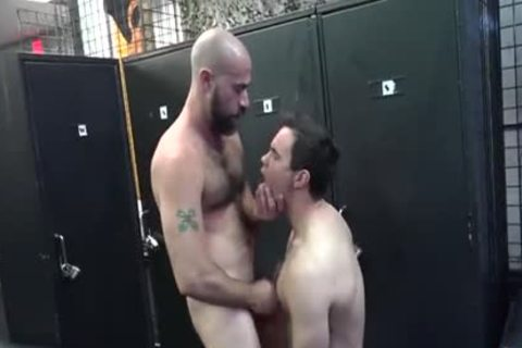 hot Daddy plows Pup In Locker Room