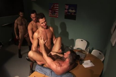 Well Hung Hunk cum moist