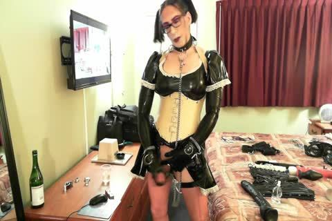 immodest Latex Sissy Maid