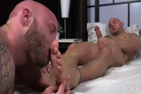 Bald males Involved In Toe Fetish
