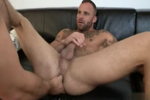 Muscle Bear butthole job And Facial