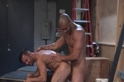 Muscle Bear anal job With Facial cum