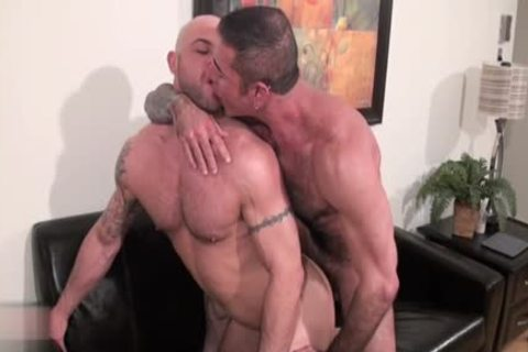 Muscle Bear bare And cumshot