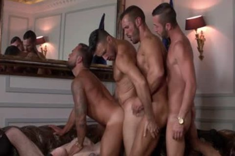 Muscle homo Flip Flop And ejaculation