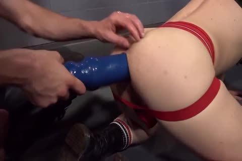 Bait The twink In The Sling raw