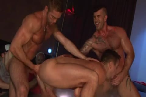 Stripshow Porn DP plow On Stage