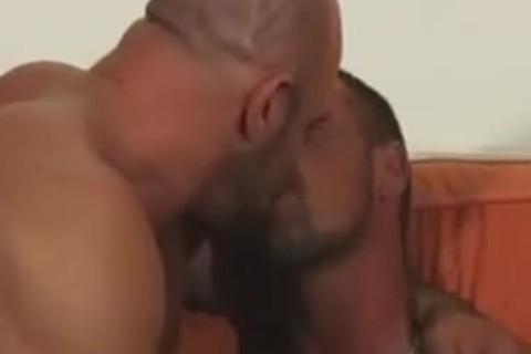 smutty dudes kissing, sucking & fucking