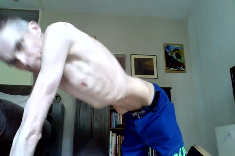 Just A wanking Vid With A Cumm discharged, For All u Skinnylovers.