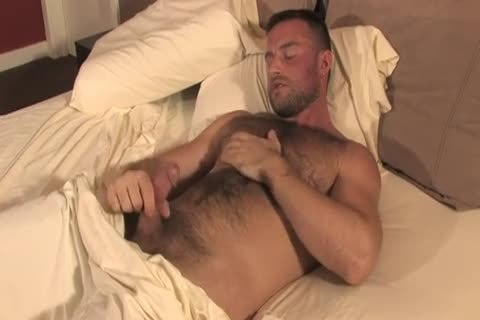 hairy Bodybuilder Solo stroking