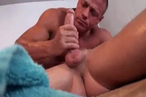 Christopher Daniels Massage