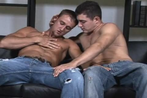 James & Jude enjoy engulfing & wanking