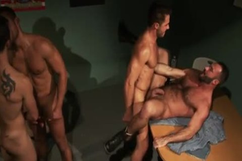 Well Hung Hunk cum soaked