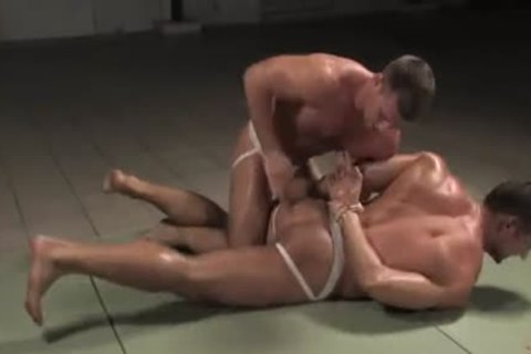 [GVC 052] Muscly twinks Wrestling Hard