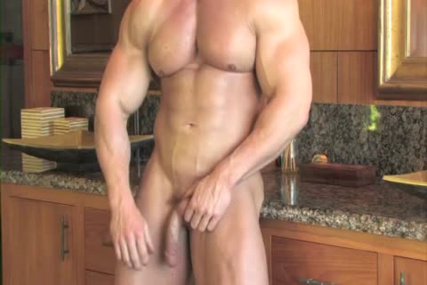 Zeb Atlas Has thick Muscles To Show