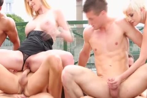 Steamy bi-sexual orgy Outdoor