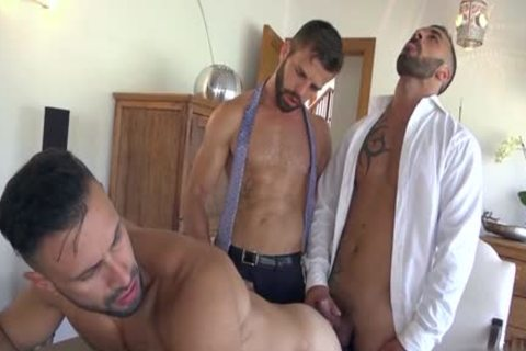 Muscle homosexual guys 3some With cumshot
