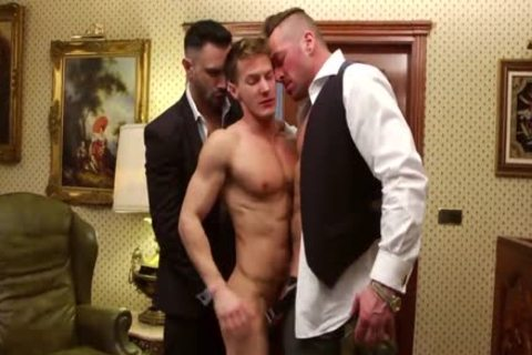Double Teamed In The Office - Darius Ferdynand poked By Hugh Hunter And Flex Xxtremo