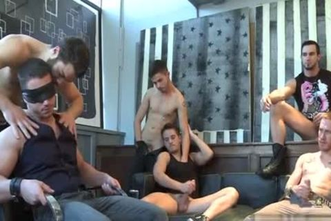 Muscle homo oral pleasure-sex With cumshot