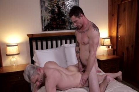 Muscle homosexual unprotected With butthole sex cream flow