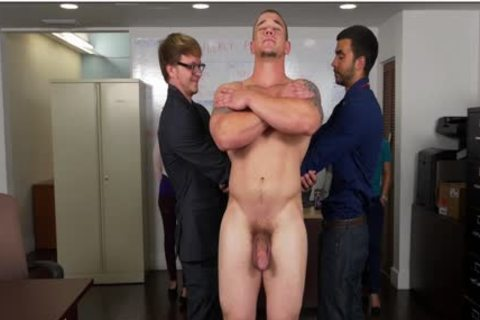 GRAB pooper - Hunky Boss Teaches His Office Team All About Teamwork