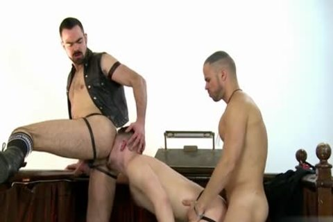 giant knob Wolf three-some With cumshot