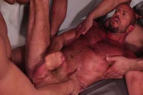 Rizzo, Lords, Andreas & Stevens - Muscled bunch sex