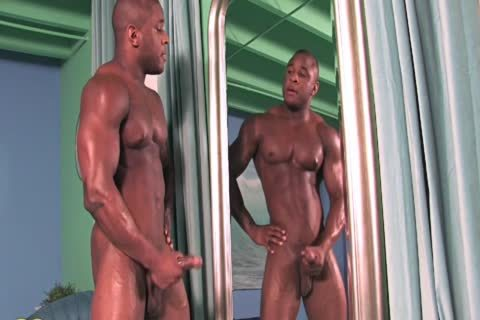 darksome Bodybuilder Jerkoff (no Sound)