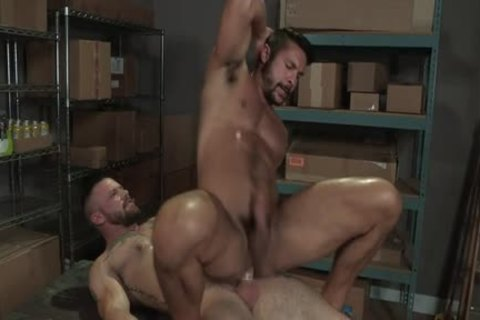 Muscle Bear butt With butt cumshot