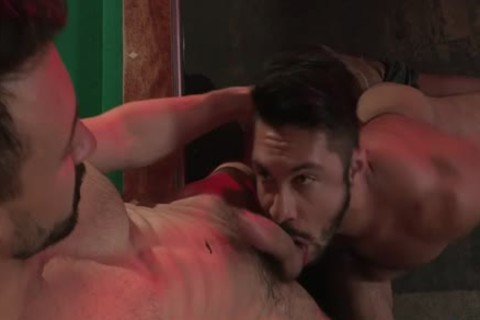 Muscle Bear oral-job And Facial sperm