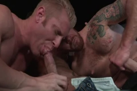 Muscle Bear threesome And anal cream flow