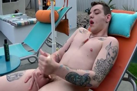 Inked Homo Ryan Fields Peeing And wanking Off outside