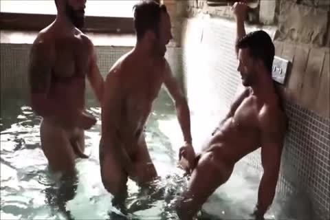 Three Muscle Hunks bareback In A Sex Club