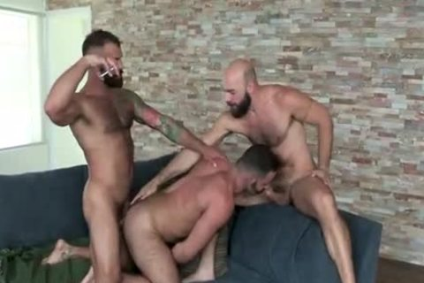 Filming A threesome With Two beefy Tourists