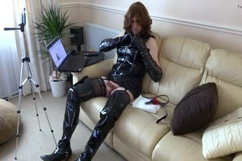 Alison wanking Whilst Live Streaming On YouTube