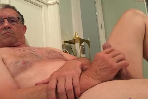 large Dicked daddy wanking 010