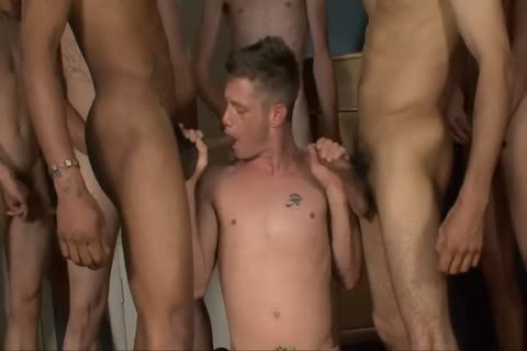 juicy chap acquires On His Knees For Some Serious ramrod sucking And raw anal