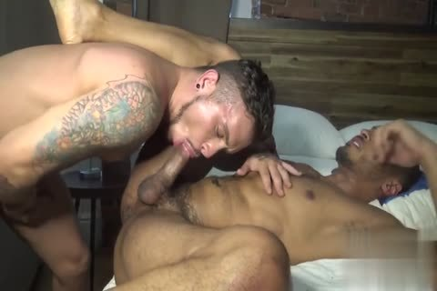 gay Pulls Strangers dick through A aperture