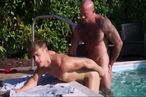 HD GayRoom - Muscle lad pounds ally After BBQ