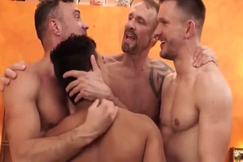 homo Shoplifter threesome oral sex stimulation In Backroom